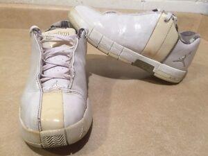 Youth Air Jordan TE2 Shoes Size 5.5 Y London Ontario image 1