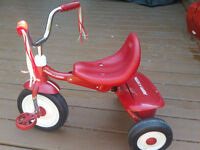 Tricycle pour jeunes enfants