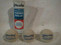 Vintage / Antique Spalding Tennis Balls / Balles de tennis City of Montréal Greater Montréal Preview