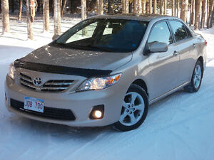 2013 TOYOTA Corolla LE Upgrade Sedan, Only 90k.  (Must See)