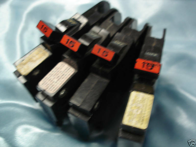NC115 lot of 4 Slim Federal Pacific Single Pole 15 A FPE Circuit Breakers,120 V