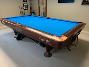 Brunswick Gold Crown 4 Pool Table with Matching Light