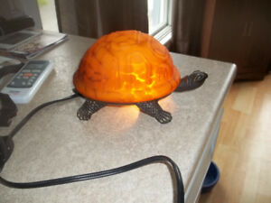 lampe tortue avec carapace orange