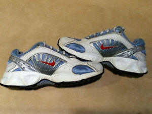 Women's Nike Running Shoes Size 7 London Ontario image 5