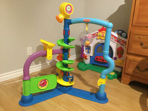 **Fisher Price Cruise and Groove Ballapalooza**