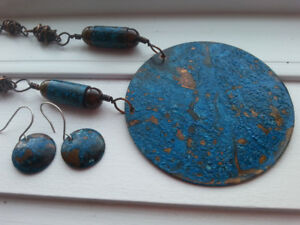 Striking Bronze & Blue Necklace and Earrings