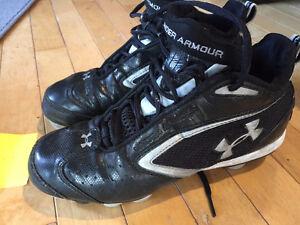 Football cleats - souliers de football  under Armor