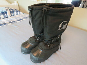 SOREL SNOWMOBILE BOOTS WOMENS SIZE 7 NEARLY NEW