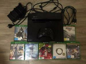 NEEDS TO GO Xbox One 500gb - day one 2013 edition (with games) New Farm Brisbane North East Preview