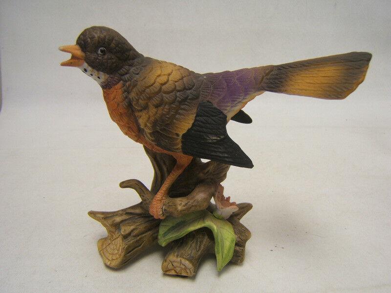 Vintage Hand-painted porcelain Robin Figurine unknown maker GUC