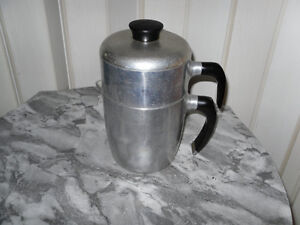 CAFETIERE VINTAGE WEAR EVER (POT 990) de 1940  581 490 1375