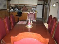 T B MOBILIER DE CUISINE EN BOIS ) TABLE EN LONG DE PASSAGE