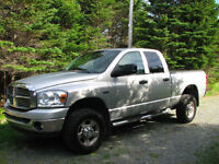 2009 Dodge Power Ram 2500 SLT Pickup Truck - Excellent Condition