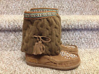 """New! Grizzleez """"terminal chestnut"""" moccasin boot size 8"""