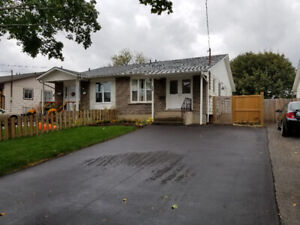 <<< North End St. Catharine's 4 bedroom house for rent >>>