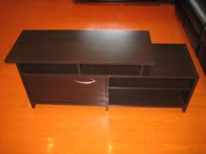 TV STAND FOR SALE CLOSE MISSISSAUGA ( CENTRAL PKWY AND MAVIS)
