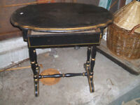 CLASSIC HITCHCOCK OVAL CANDLE TABLE CA. 1920