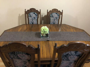 hutch and dining room set