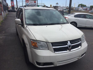 2010 Dodge Grand Caravan XTS Full Options Familiale