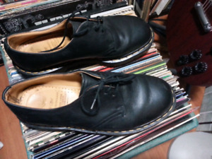 REDUCED! Docs Dr. Martens black shoes Made in England size 7