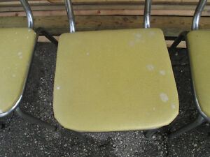 Mid-Century Modern 50's 60's Chrome Table and Shield Back Chairs Kitchener / Waterloo Kitchener Area image 4