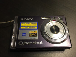 SUPER AFFAIRE! Appareil photo Sony Cyber-Shot!