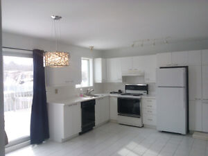 maison à louer - House for rent in St-Lazare