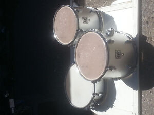 Westbury Drum snare and two toms
