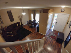 2100 ft Executive Townhouse in Desirable West-End Neighbo