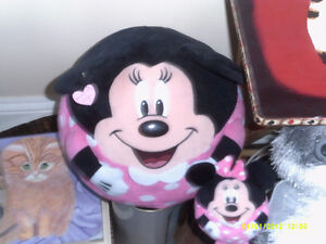 MINNIE MOUSE EXTRA LARGE WITH EXTRA SMALL MINNIE MOUSE