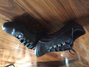 Women's puma black sneakers