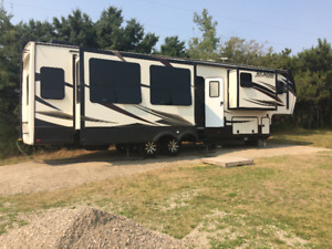 2016 4 season for RV for sale!!