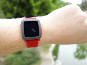 Pebble Time watch Rouge