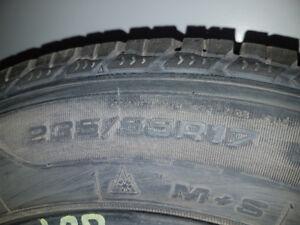 4  pneus d hiver 235/55/17