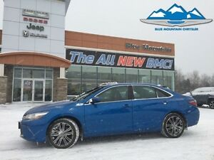 2016 Toyota Camry   ACCIDENT FREE, BLUETOOTH, HEATED SEATS, SUNR
