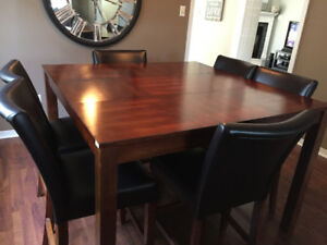 Gorgeous Wood Dining Table and Chairs; Seats 6-8!!!