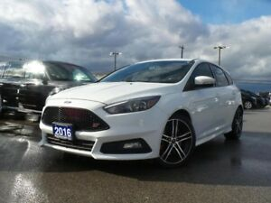 2016 Ford Focus 2.0L ECO HEATED SEATS LEATHER NAVIGATION