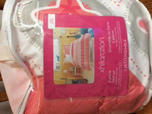 Excellent condition twin comforter set with sheets