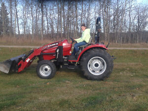 35 hp CASE TRACTOR