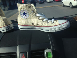 souliers Converse***NEUFS**NEW***shoes