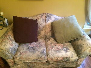 Couch and matching loveseat FREE London Ontario image 3