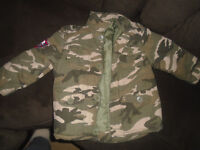Boys winter clothe 3T , worn 2 times, like new 7$  ***