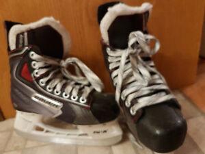 Skates Bauer Vapor junior size 2R/US3 Regina Regina Area image 2