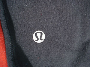 2 pairs of LULULEMON pants London Ontario image 4
