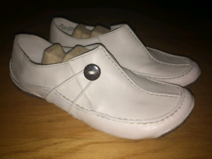 Clarks Active Air shoes