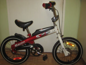 Boys 16'' wheel bike AIR ZONE in new condition for 5-7 year old