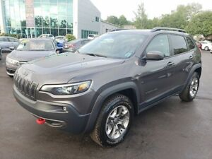 2019 Jeep Cherokee Trailhawk / 4x4 / Leather