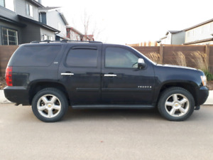 Chevrolet Tahoe 4x4 fully loaded