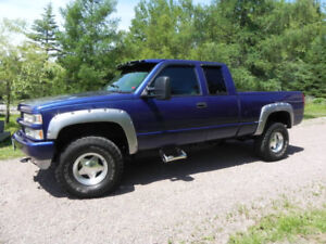 1997 GMC 1500 HD 4x4 in very good condition