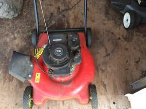 3.5 hp Briggs and Stratton Lawnmower